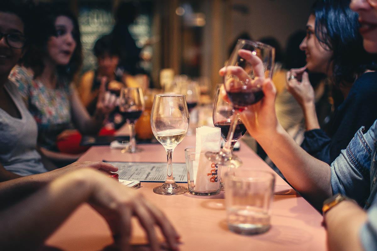 prestation atelier degustation vin les nenettes du vin