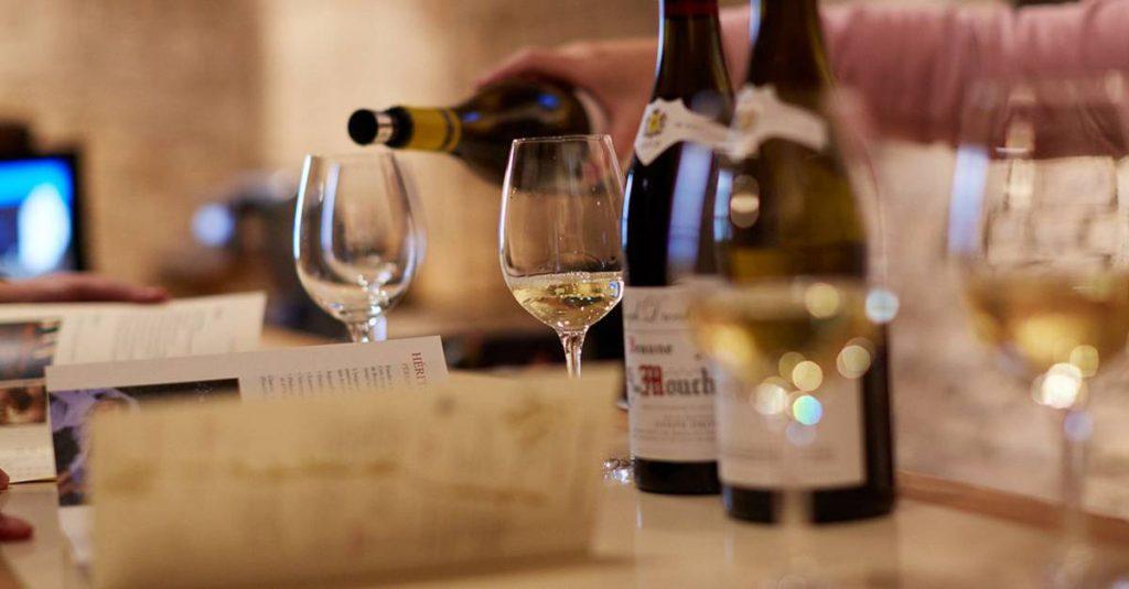 a la decouverte vins blancs mythiques à domicile